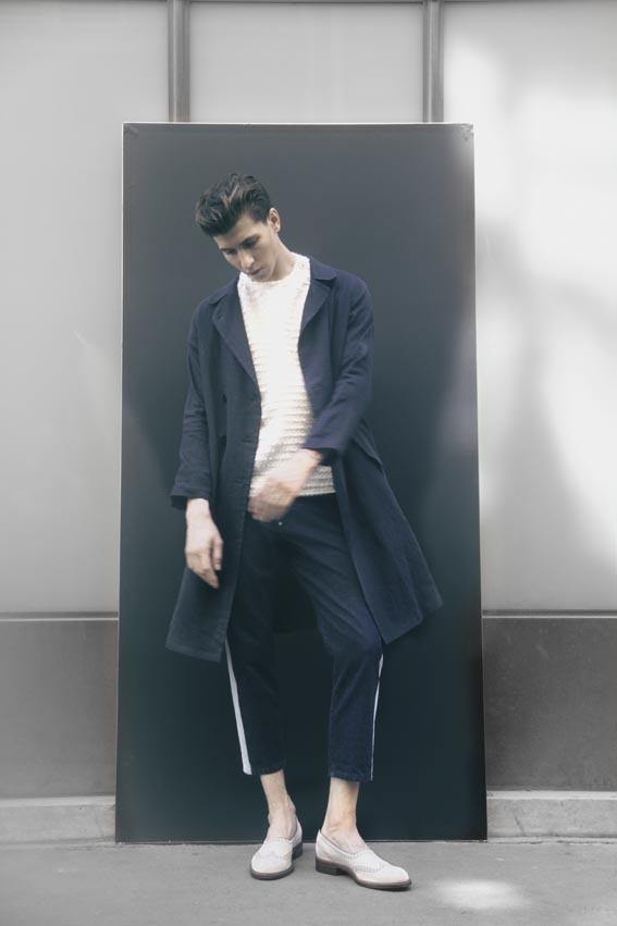 Manteau en lin, T-shirt brodé et jodhpurs en jean, M'S BRAQUE Chaussures, LE YUCCA'S FATTE A MANO