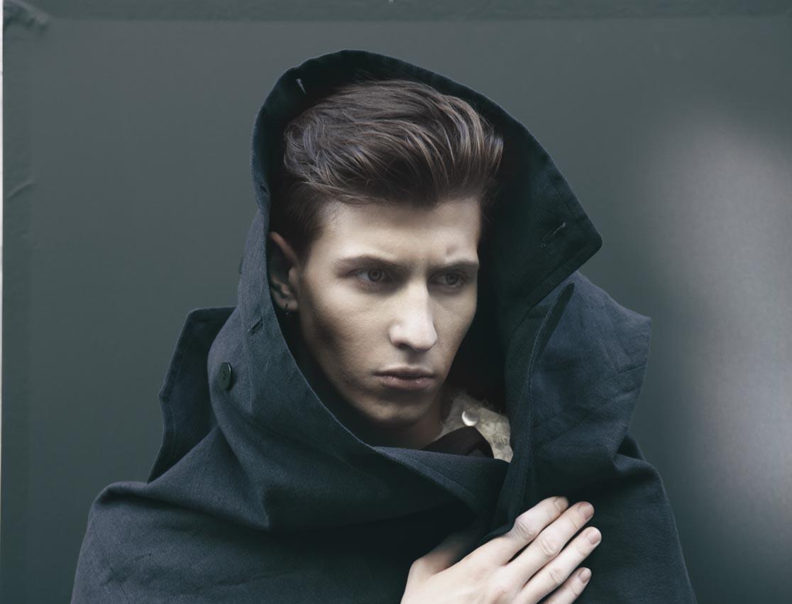 Manteau en lin et T-shirt brodé, M'S BRAQUE