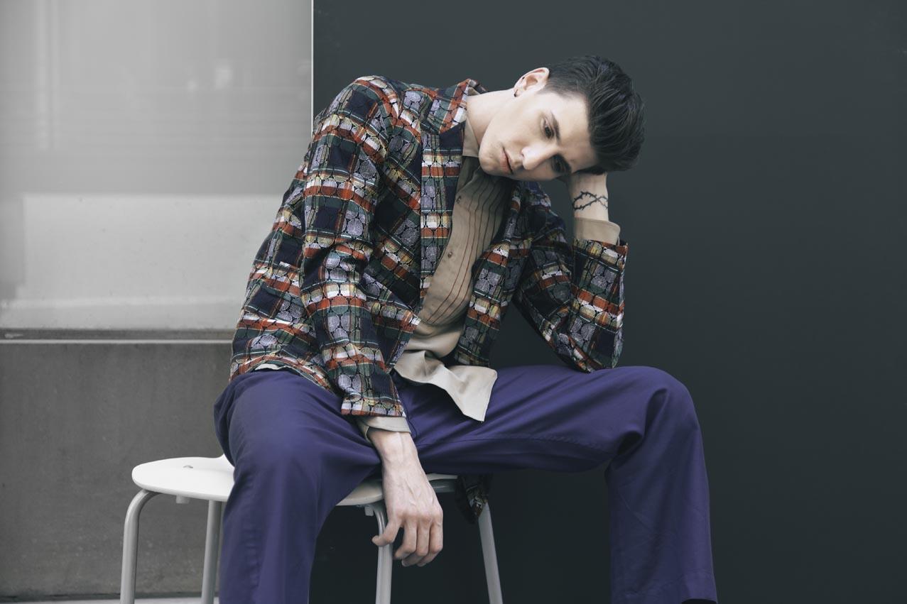 Veste dentelle, chemise peinte à la main et pantalon style pyjama, M'S BRAQUE